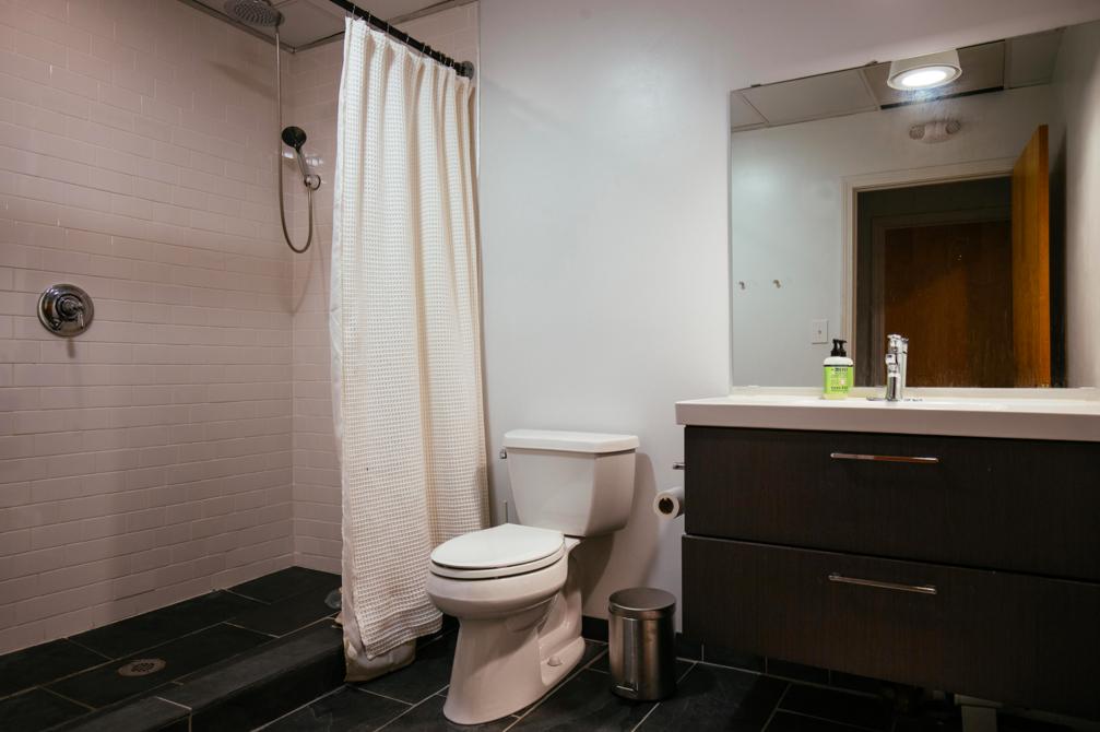 Studio 16 Bathroom