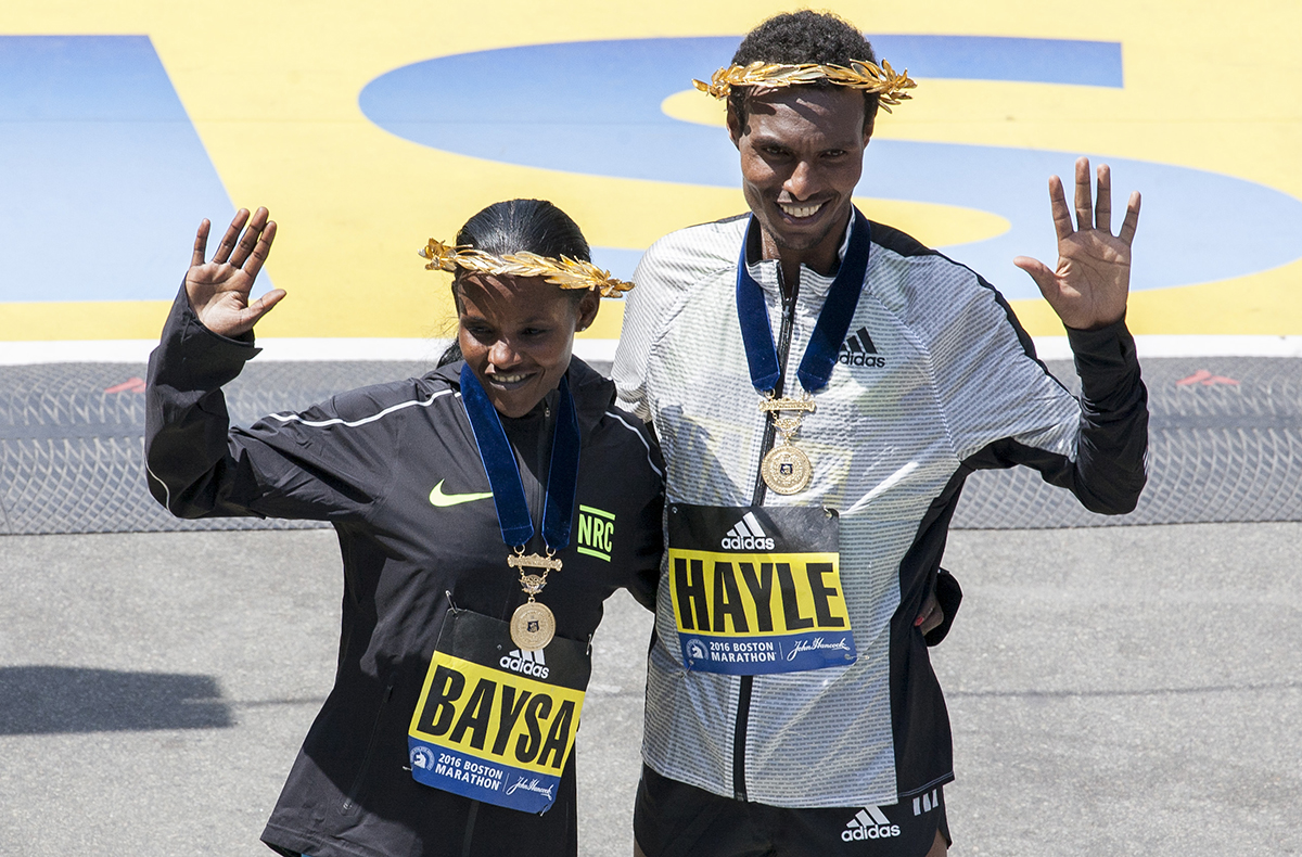 boston marathon 2016 finish line photos