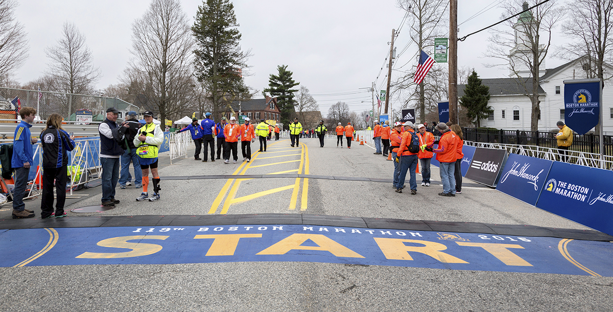boston marathon starting line 2015