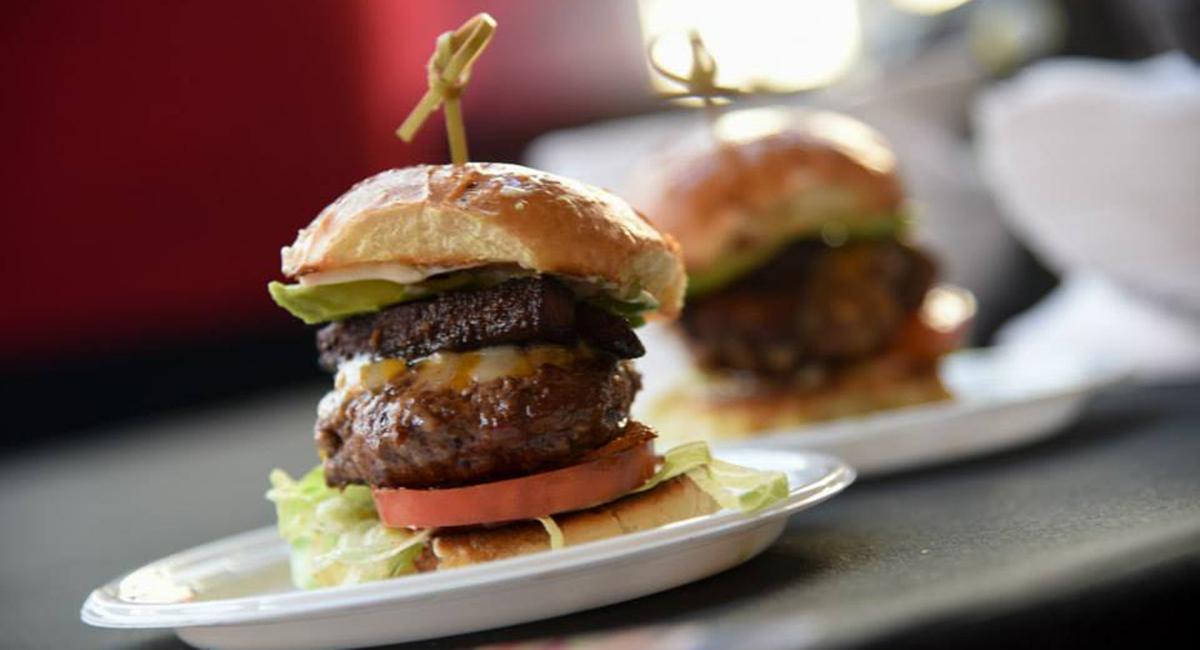 boston magazine battle of the burger