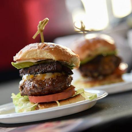 battle of the burger 2016 voting boston magazine sq