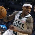 Boston Celtics' Isaiah Thomas (4) drives past Chicago Bulls' Nikola Mirotic (44) during the fourth quarter of an NBA basketball game in Boston, Wednesday, Dec. 9, 2015. The Celtics won 105-100. (AP Photo/Michael Dwyer)