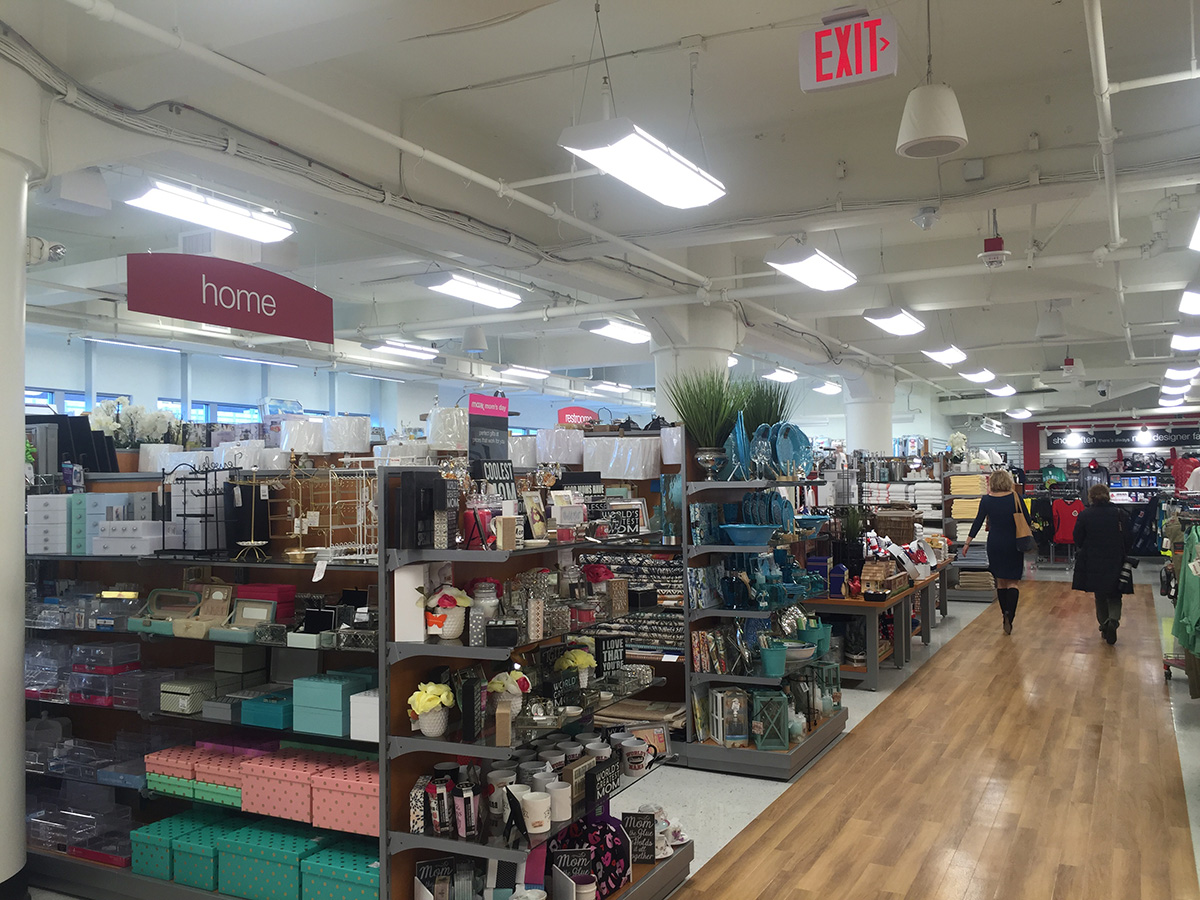 tj maxx newbury street hynes boston. T J  Maxx Opens on Newbury Street at Hynes