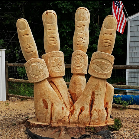 Jesse Green Chainsaw Sculpture square