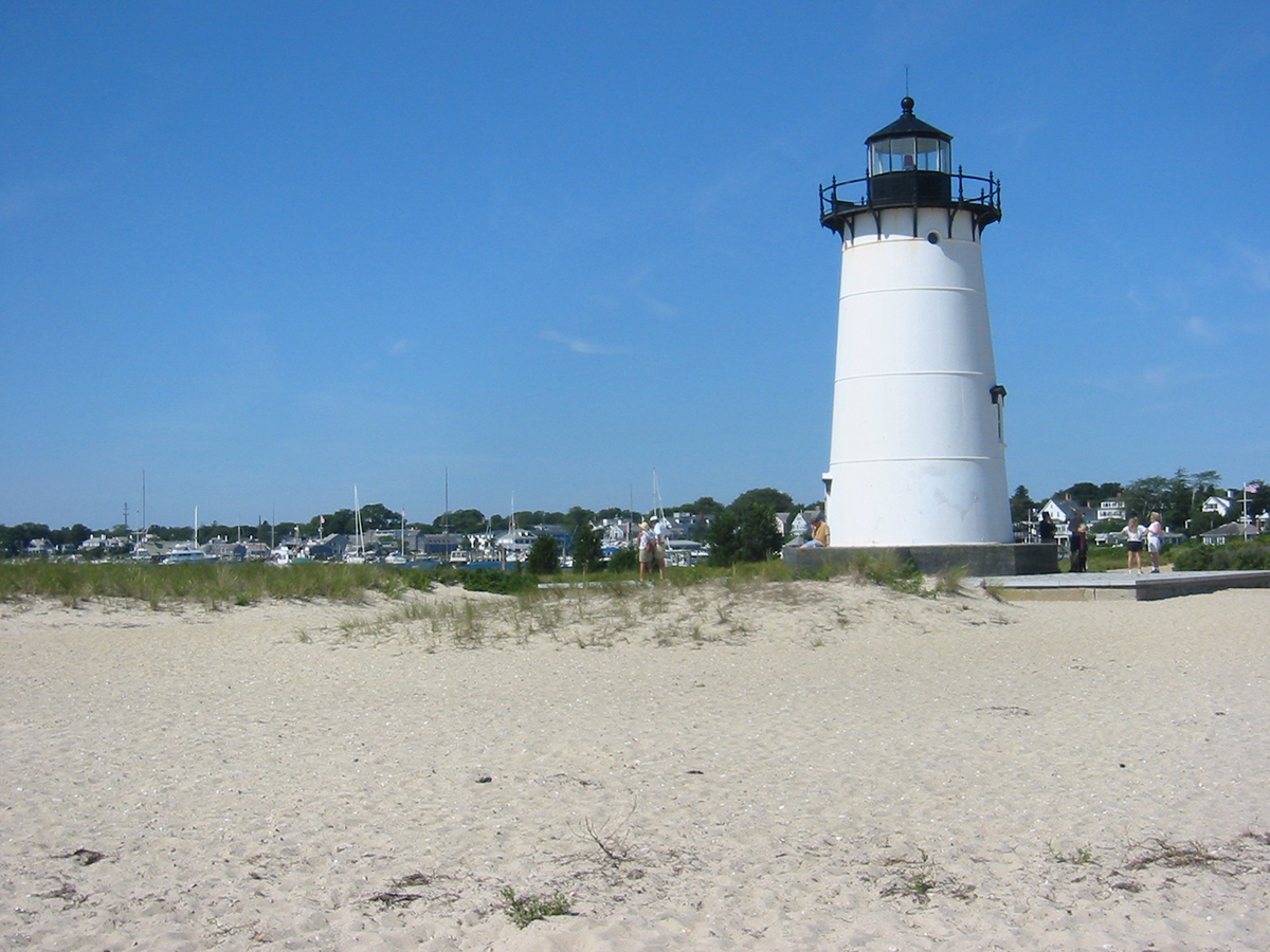 Lighthouse-Beach-Marthas-Vineyard-MA-Edgartown
