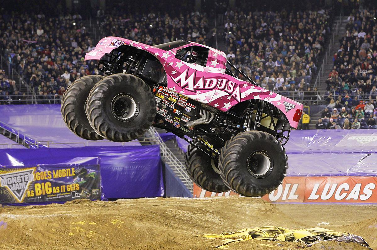 Ausmalbild Madusa Monster Truck: Work Out Like: A Monster Jam Driver