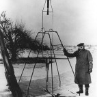 robert-goddard-rocket-sq