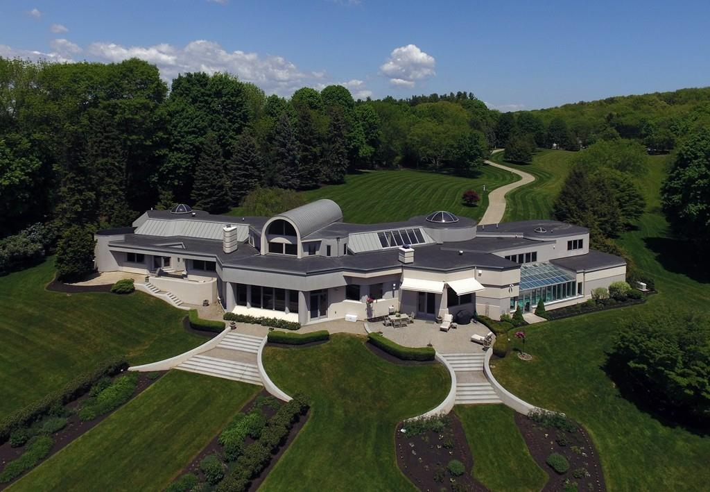 Contemporary Castle North Andover Otm also Daizen as well Luxurious Contemporary Houses In Romania Europe in addition Natural Exclusive Teahouse Edge Pine Forest Black Teahouse likewise 525d4478e8e44ecb1700099b Villa M Niklaus Graber Christoph Steiger Architekten Photo. on modern lake house design plans