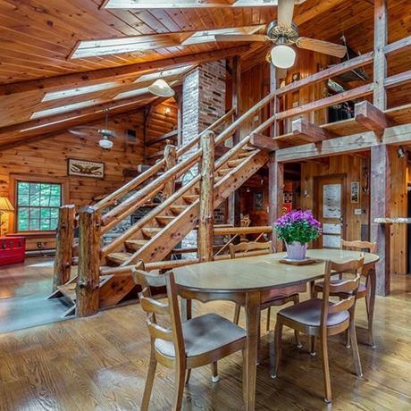 saugus-log-cabin-sq
