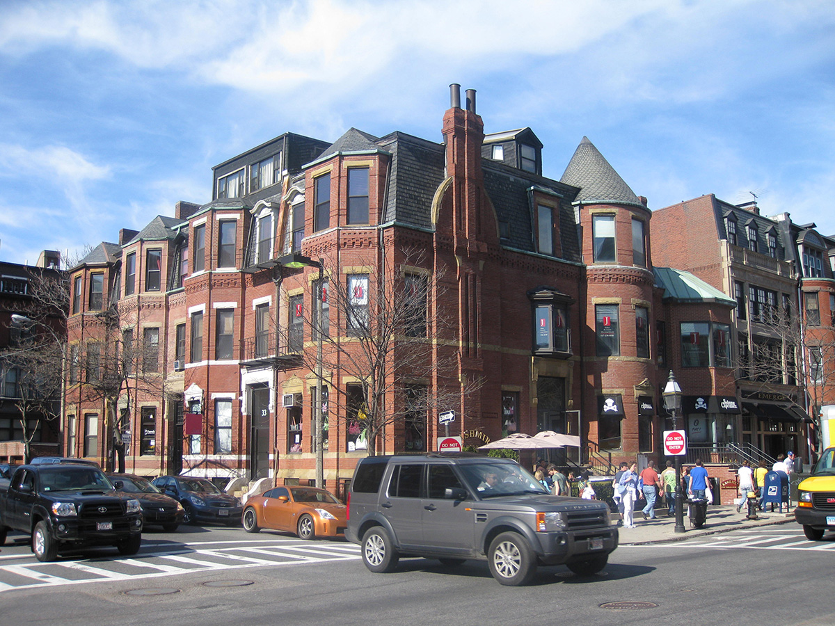 Newbury Street- Beacon Hill by speric on Flickr/ Creative Commons