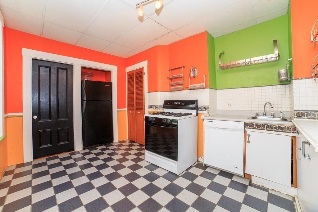 colorful charlestown condo
