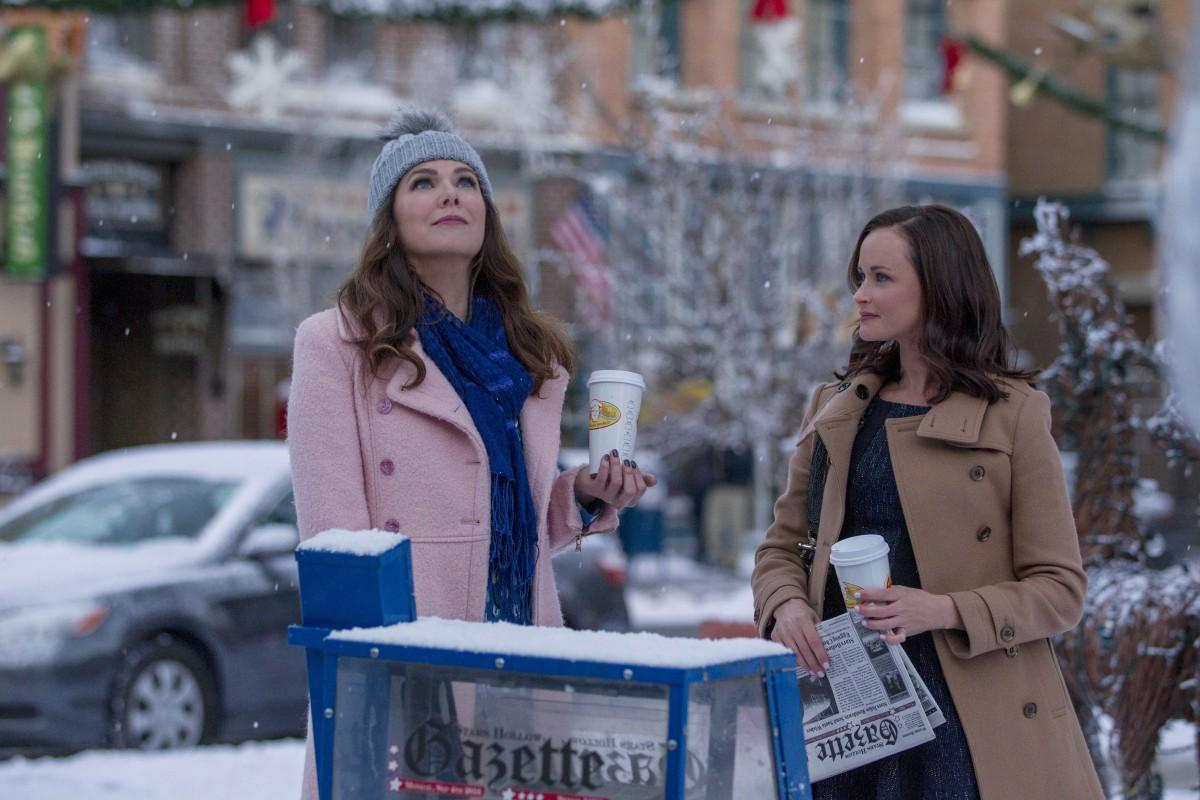 Lauren Graham and Alexis Bledel in 'Gilmore Girls'