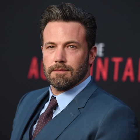 ben_affleck_red_carpet_social