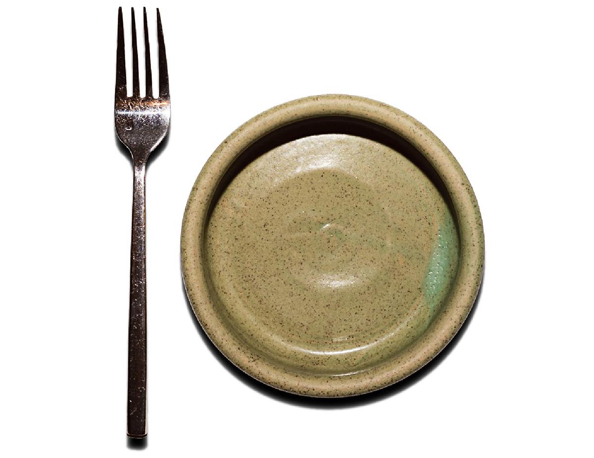 ogusky ceramics plates yvonnes