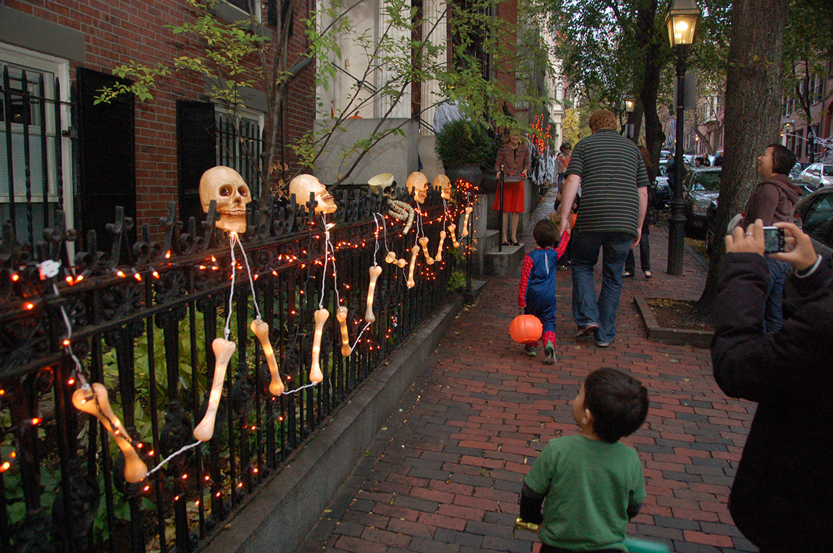 2016 Trick-or-Treating Times in Boston and Beyond – Boston Magazine