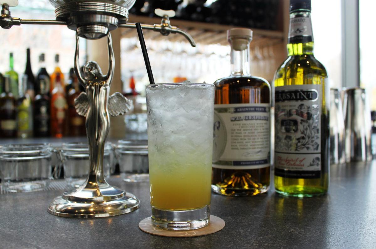 River Bar Absinthe service