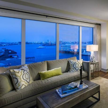apartment-boston-floor-to-ceiling-window-sq