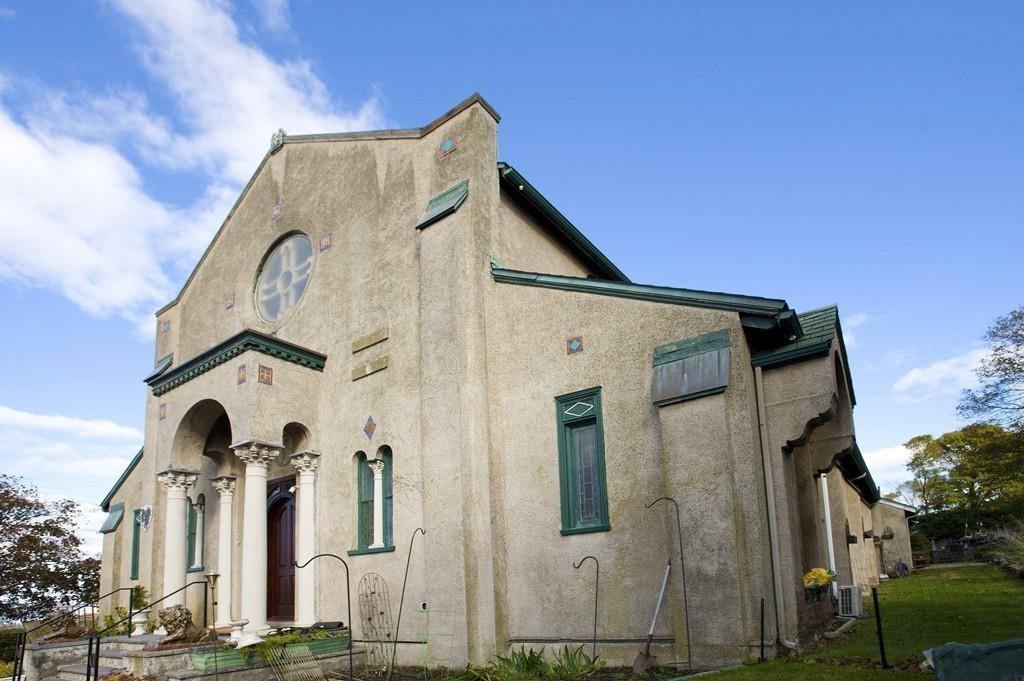 hull church housev
