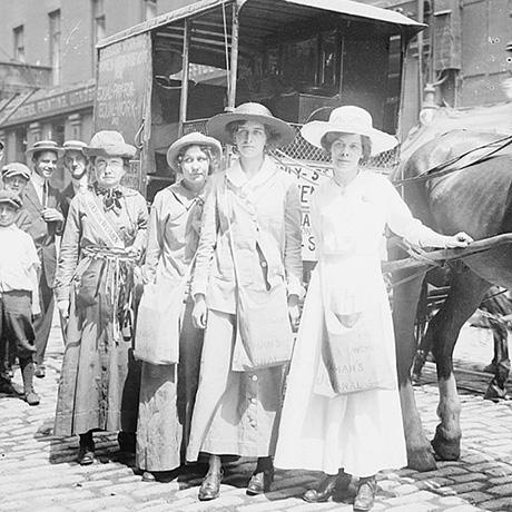 suffragettes-en-route-to-boston-sq