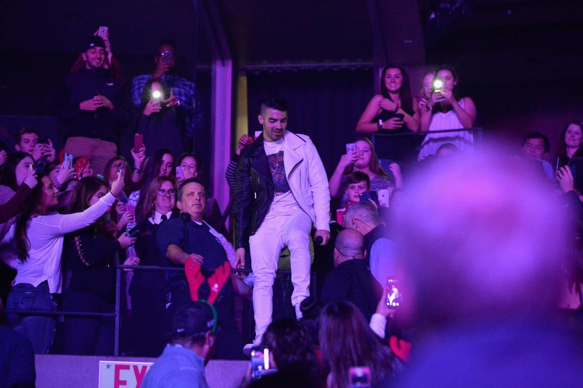 Joe Jonas at Jingle Ball 2016 in Boston.
