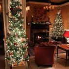 boston-holiday-decorations-hotels-sq