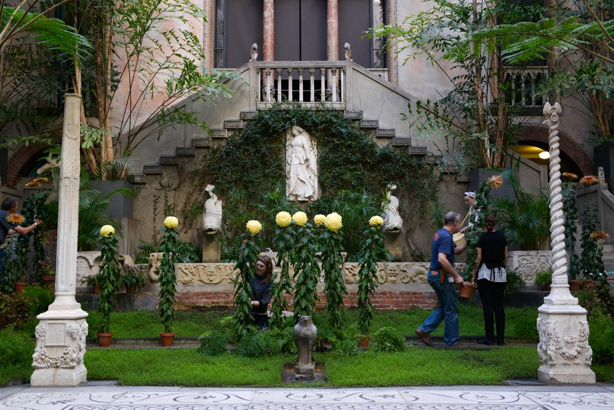 isabella stewart gardner museum horticulture 3 courtyard garden volunteers