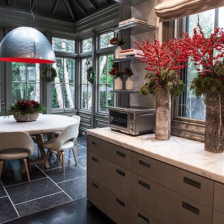 winston-flowers-holiday-arrangements-sq