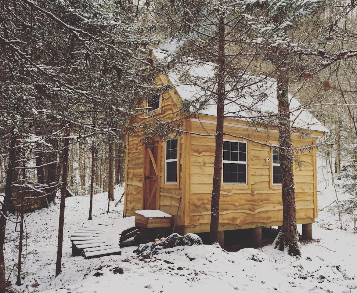 to the winter cabin rent for this ny cabins in hillsdale vermont everygirl airbnb glass