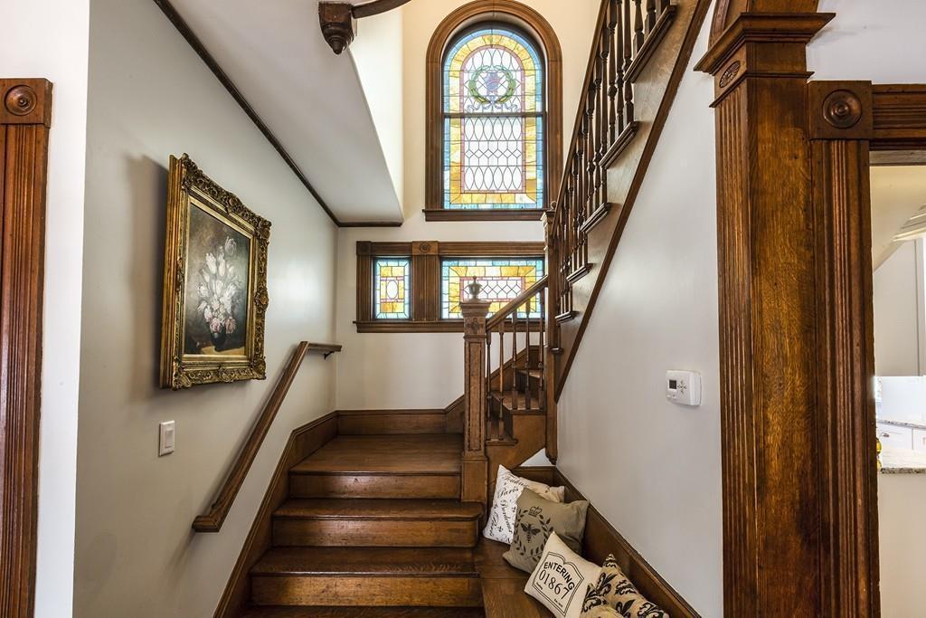 beautiful-homes-hit-market-2