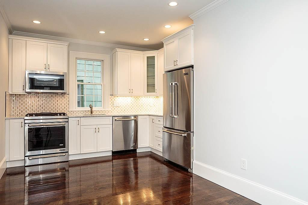 Photo via Gregory Somar, H & Co. Real Estate