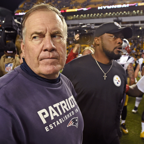 New England Patriots head coach Bill Belichick, left, heads to his locker room after shaking hands with Pittsburgh Steelers head coach Mike Tomlin following an NFL football game in Pittsburgh, Sunday, Oct. 23, 2016. The Patriots won 27-16. (AP Photo/Don Wright)