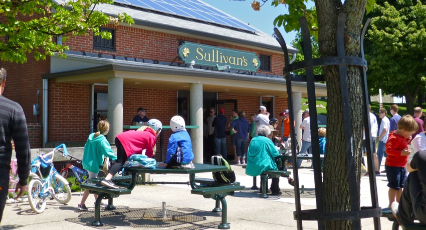 Sullivan's, Castle Island by Leslee_atFlickr / Creative Commons