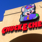 chuck e cheese sq