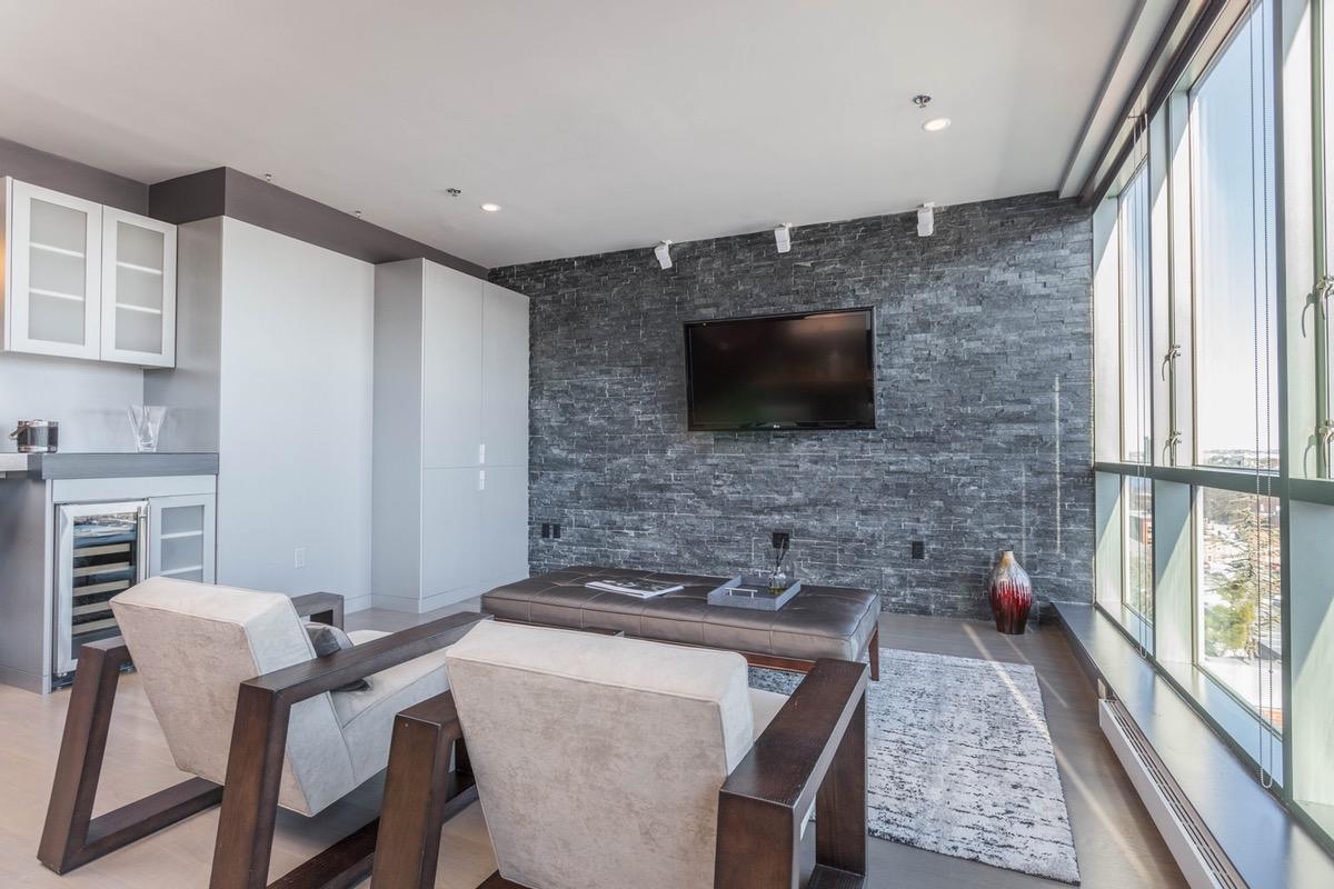 Http Www Bostonmagazine Com Property Blog 2017 03 07 Patrice Bergeron Condo For Sale