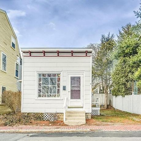 tiny-house-new-england-sq