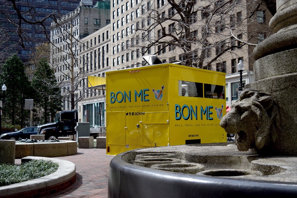 A Bon Me cart parked in Post Office Square