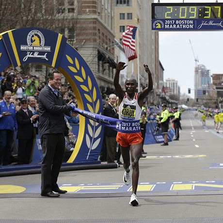 Edna Kiplagat, of Kenya, wins the women's division of the 121st Boston Marathon on Monday, April 17, 2017, in Boston. (AP Photo/Elise Amendola)