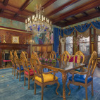 whimsical-manor-comm-ave-SQ