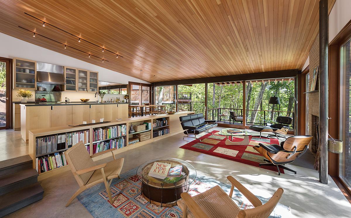 harvard house stilts