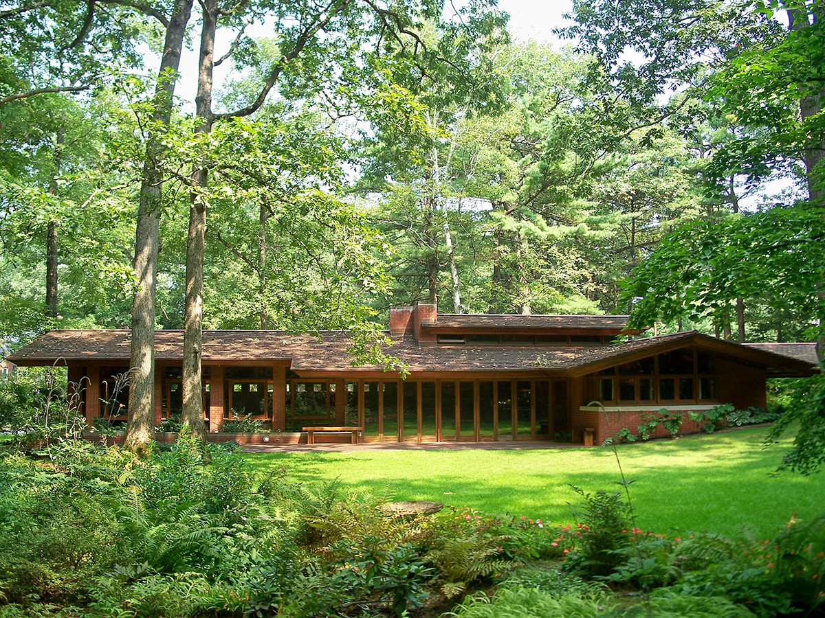 A frank lloyd wright designed house in nh is offering a for Frank lloyd wright list of houses