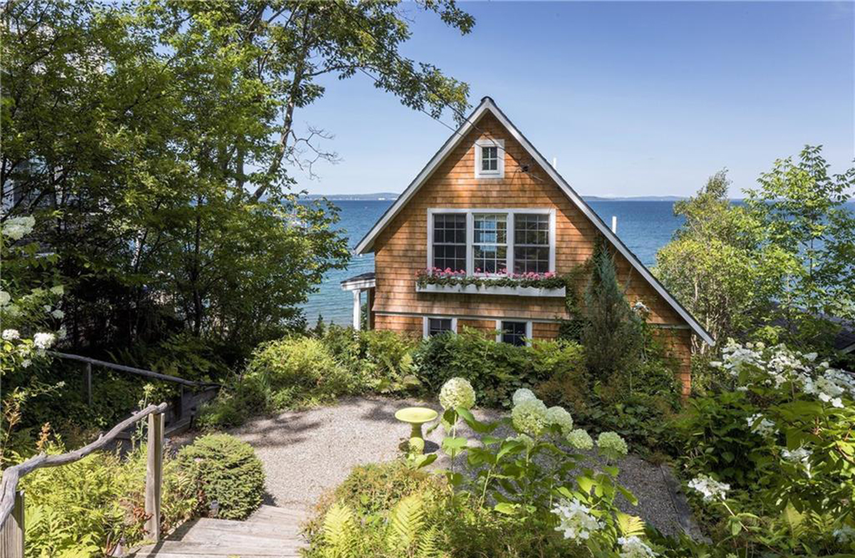 On the market a dreamy dwelling on penobscot bay boston for Waterfront cottage