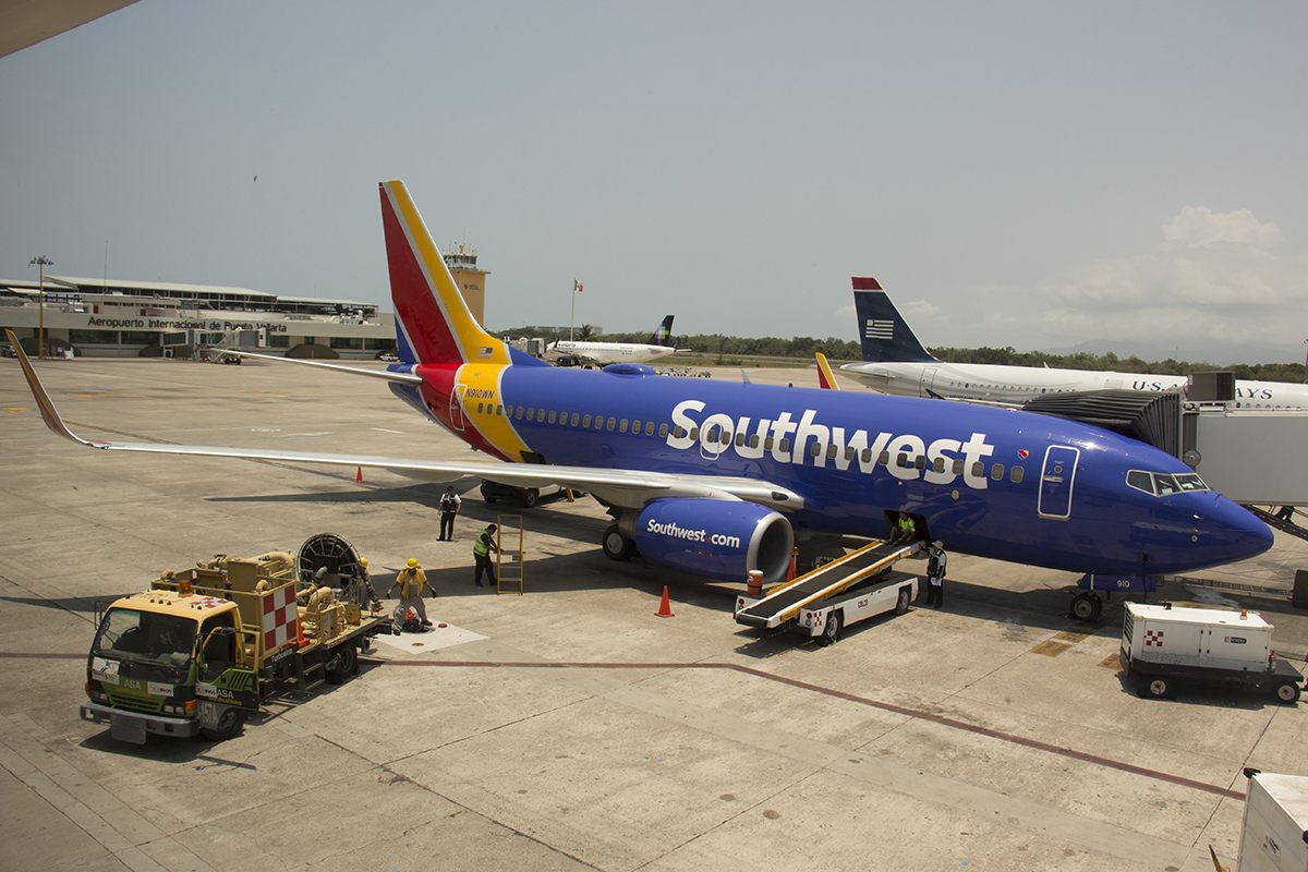 Financial Watchlist of Southwest Airlines Company (NYSE:LUV)