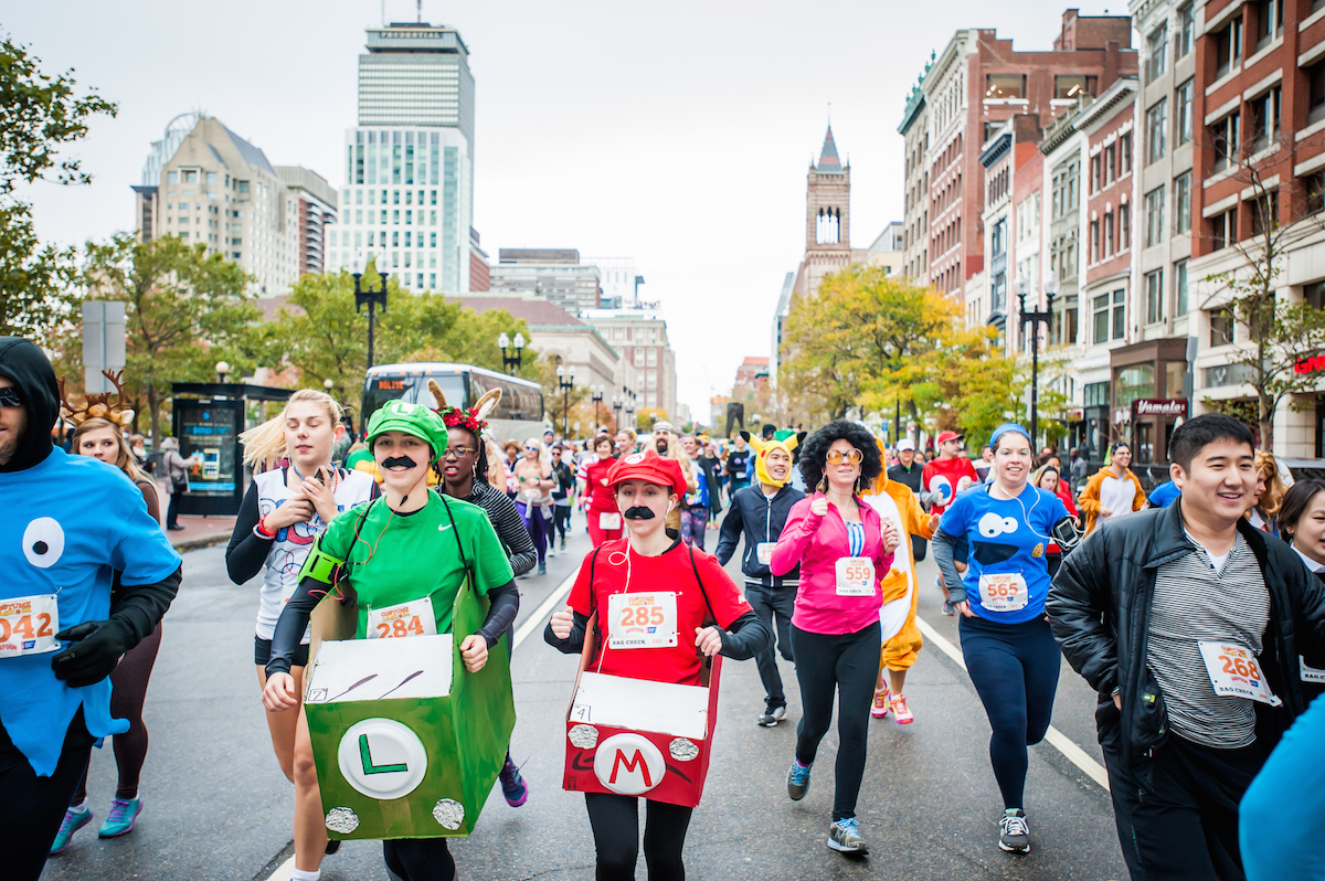 Costumed runners race through Back Bay