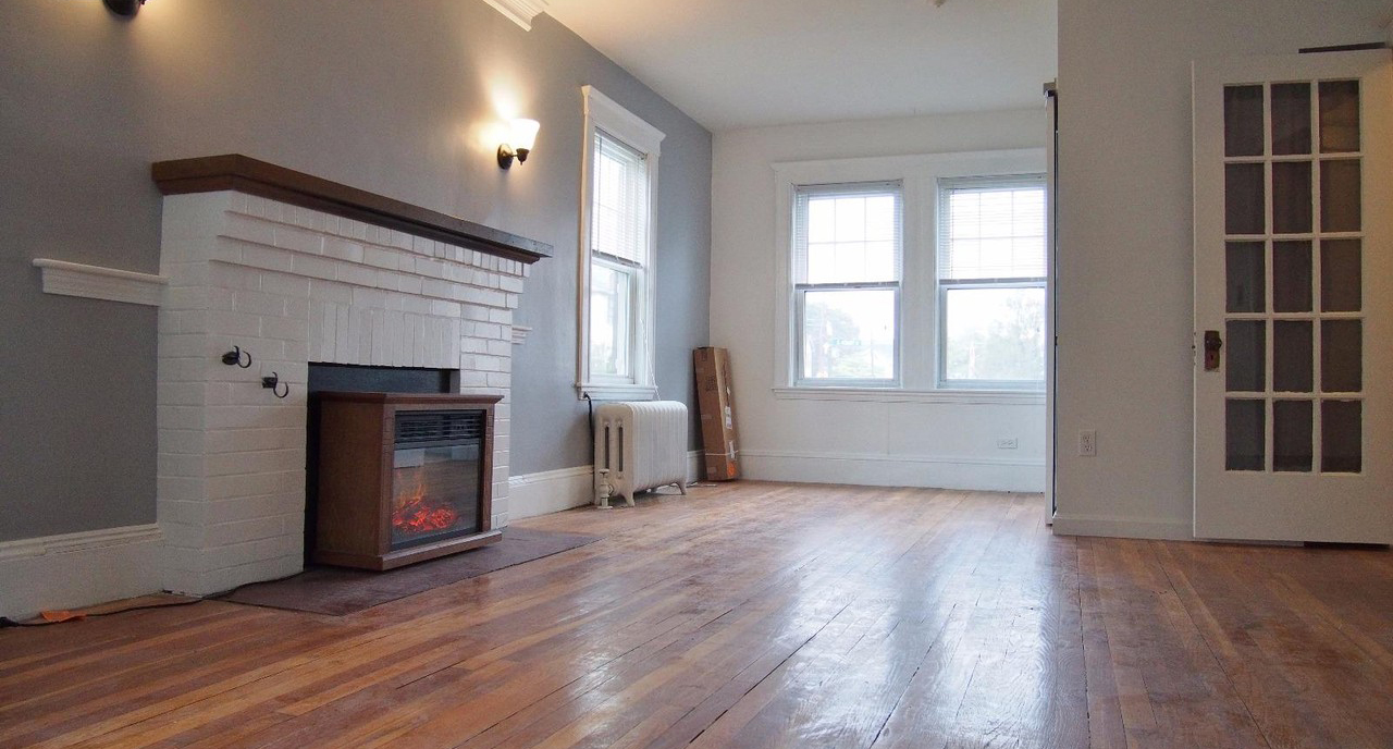 Five Three Bedroom Apartments For 2 700 Or Less Per Month