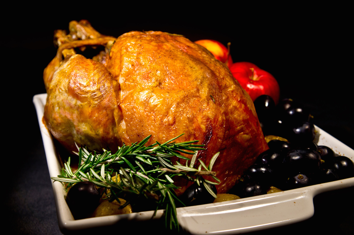 Roast turkey with rosemary and apples