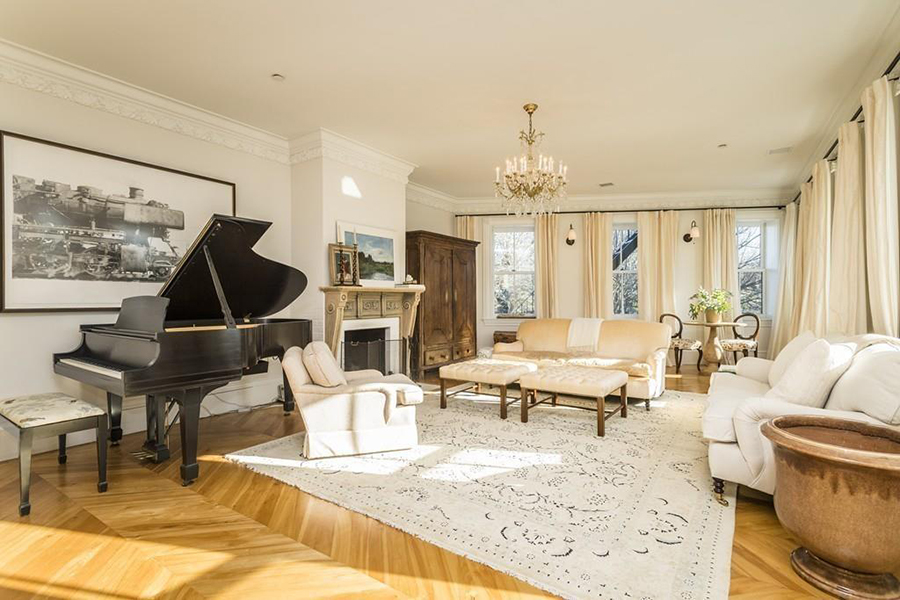 On the Market: A Hidden Palace in the North End
