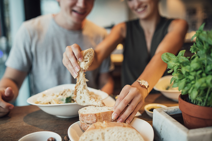 Brigham And Women S Researchers Find Moderate Carb Intake Is Best