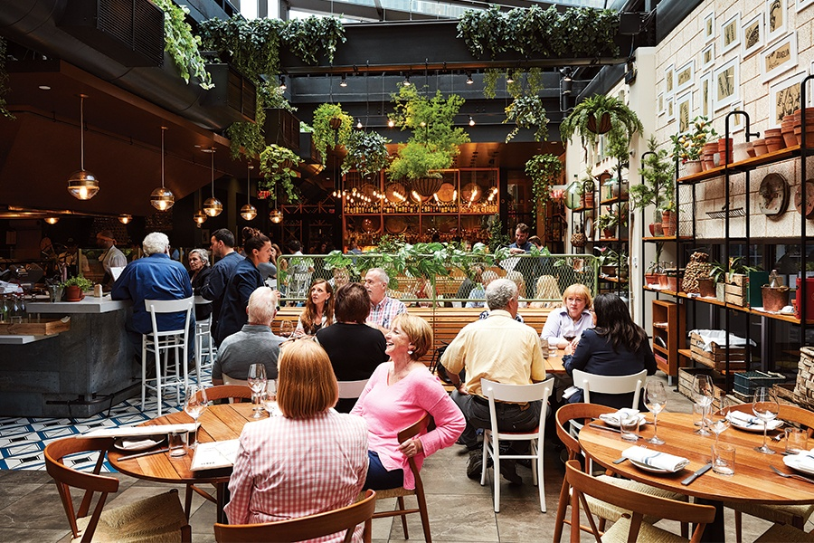 Ask the Editor: Graduation Day Lunch with Great Ambiance in Boston