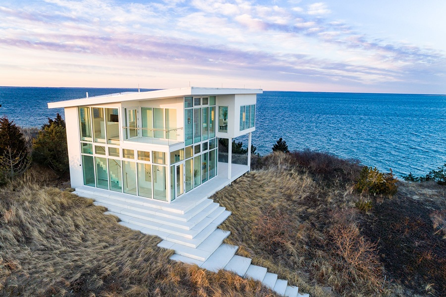 A Gl House On Cape Cod Island