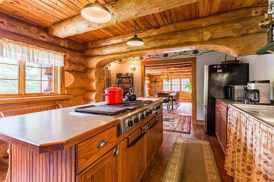 On The Market A Hand Carved Log Cabin In Vermont